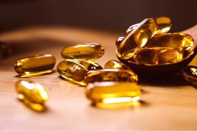 Sản phẩm được bào chế dạng viên nang mềm màu vàng tiện lợi sử dụng