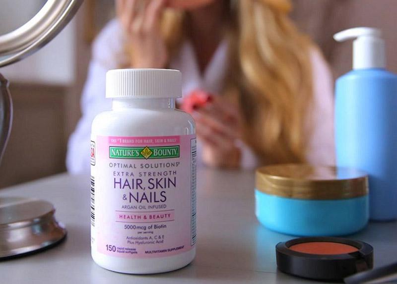 Hair Skin Nail Nature's Bounty giúp bạn bổ sung dưỡng chất, ngăn ngừa các tổn thương đến da, tóc, móng.