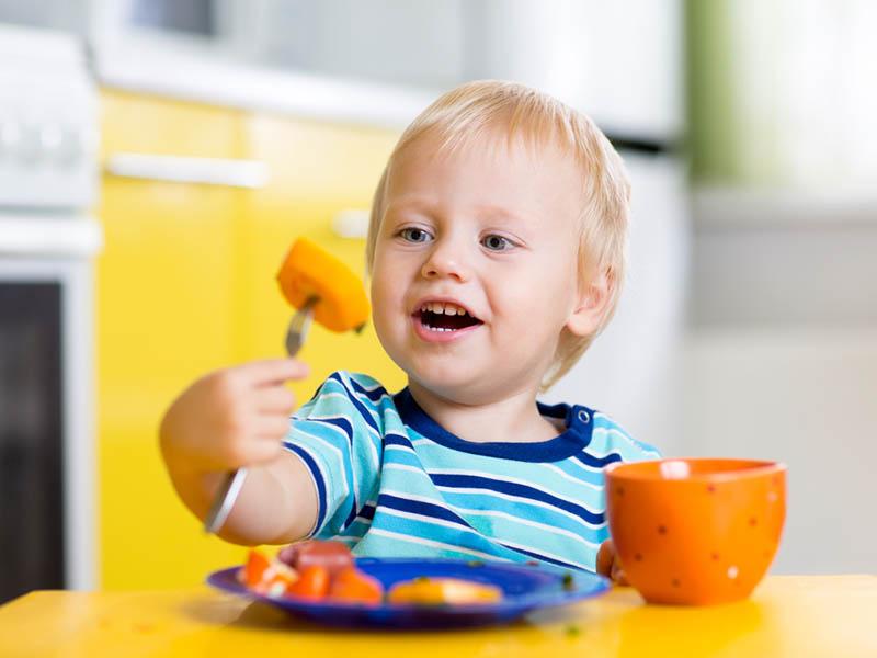 Kẹo ăn ngon dành cho trẻ nhỏ là sản phẩm tổng hợp các vitamin và dưỡng chất
