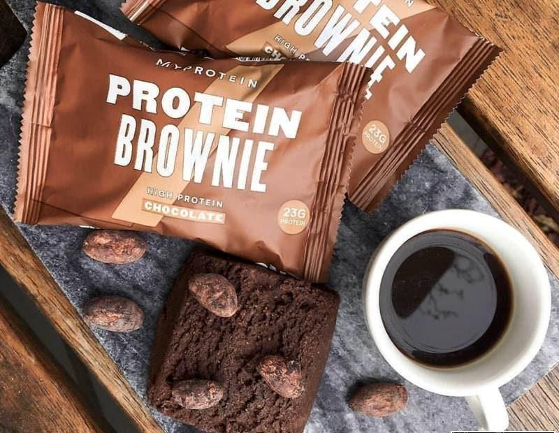 Bánh Protein Brownie có hương vị socola vô cùng thơm ngon, hấp dẫn
