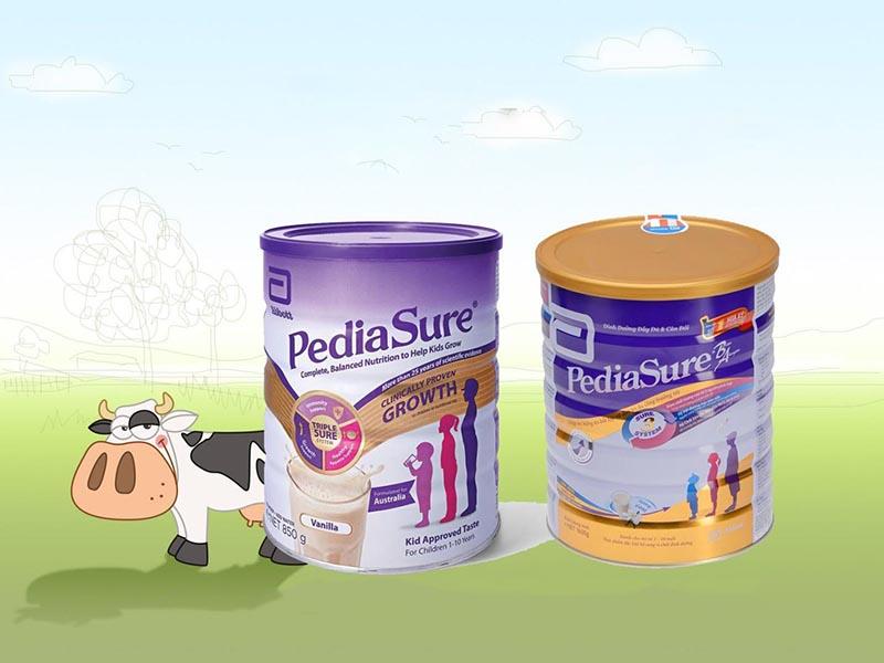 Sữa Pediasure loại hộp nắp vàng của Singapore và nắp tím của Úc