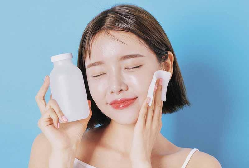 Chăm sóc da mặt tuổi dậy thì không quên tẩy trang hàng ngày