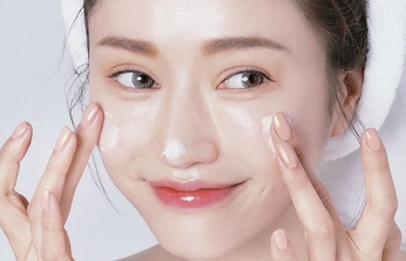 Dưỡng ẩm là rất cần thiết cho các tế bào da mới được hình thành