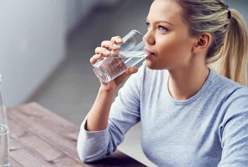 Bổ sung nước hàng ngày cho cơ thể