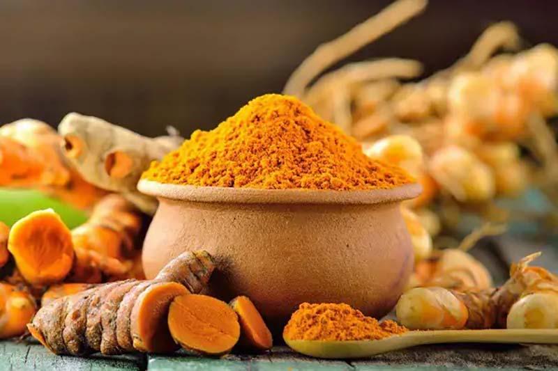 Người Việt dùng nghệ để chế biến món ăn, bôi ngoài da trị thâm, mụn, ngừa sẹo…