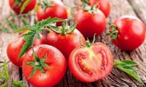 Làm đẹp da mặt bằng cà chua