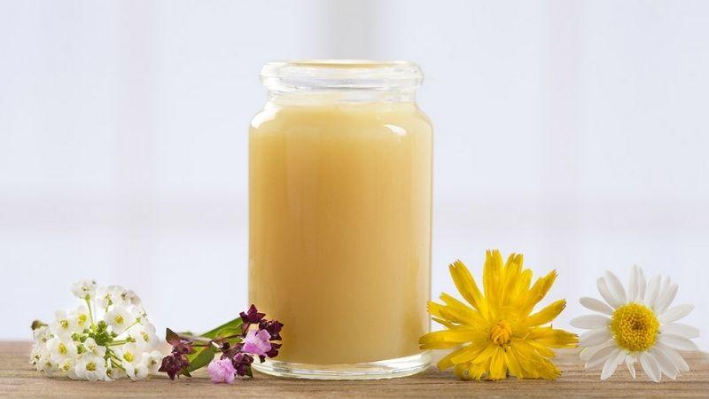 Mặt nạ sữa ong chúa tái tạo tế bào da