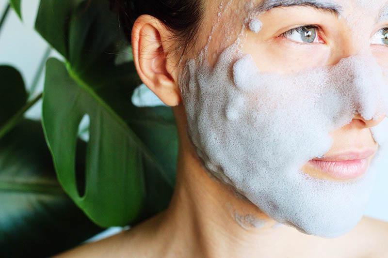 Mặt nạ thải độc là dòng sản phẩm chăm sóc da phổ biến trong giới làm đẹp