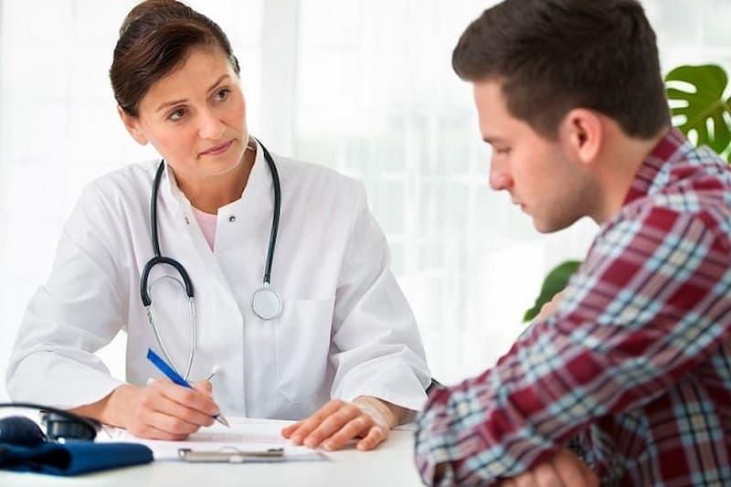 Tham khảo ý kiến của chuyên gia trước khi dùng giúp hạn chế tối đa các nguy cơ tác dụng phụ ảnh hưởng đến sức khỏe