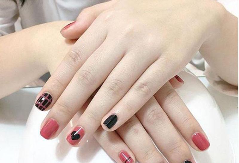 Chăm sóc móng tay sau khi làm nail giúp móng khỏe hơn, tránh giòn gãy