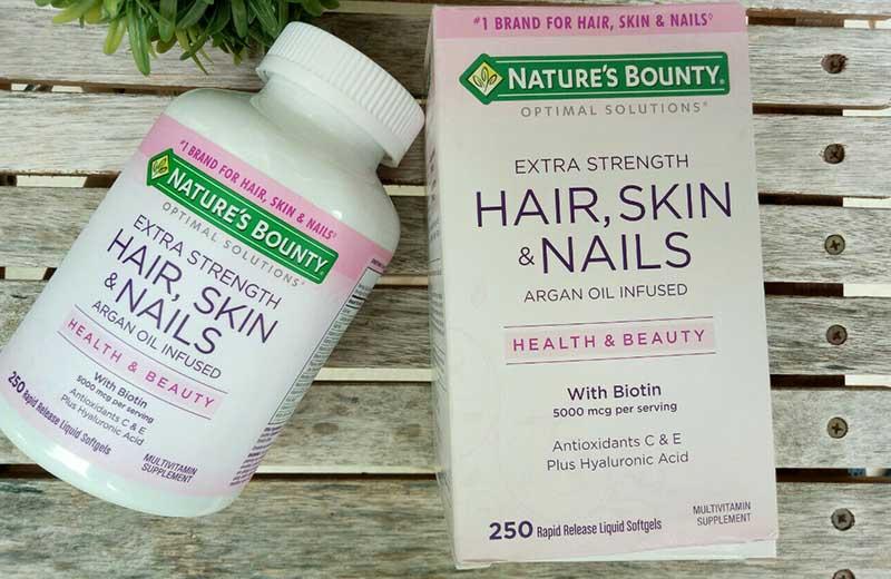 Nature's Bounty Hair Skin and Nails là dòng sản phẩm chức năng dạng kẹo và viên uống