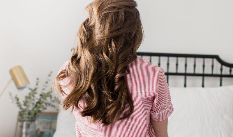 Chăm sóc tóc xoăn bằng các loại tinh dầu dưỡng