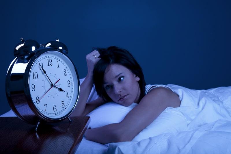 Luôn duy trì thái độ tích cực và tránh thức khuya