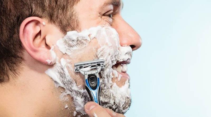 Cạo râu không đúng cách dễ gây tổn thương da