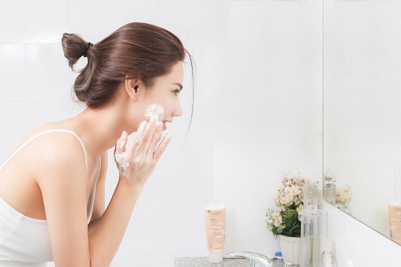 Dù là đông hay hè thì việc làm sạch da vẫn luôn rất quan trọng