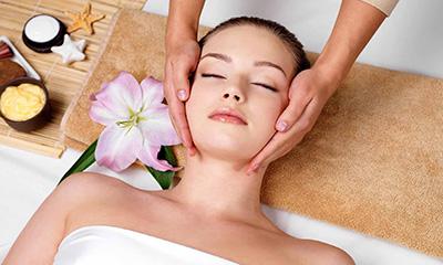 Phương pháp chăm sóc da mụn mùa hè đúng cách, mang đến làn da mịn màng