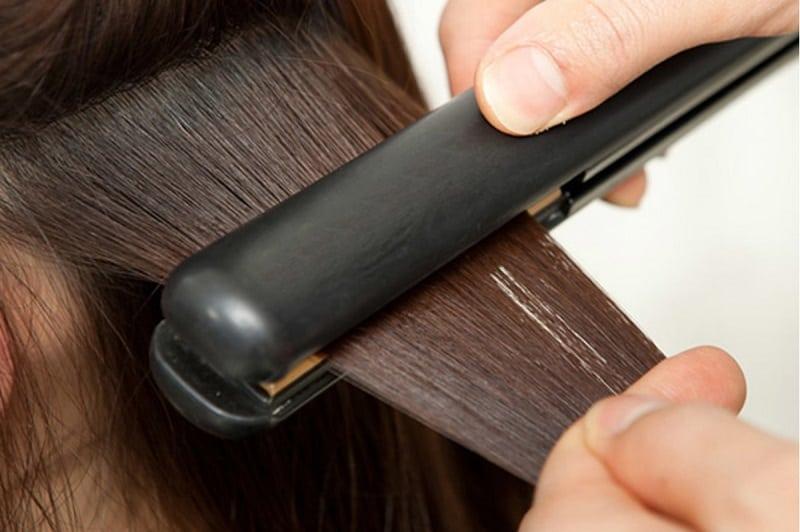 Trong 3 ngày đầu sau khi duỗi tóc, bạn không nên gội đầu