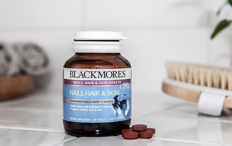 Sử dụng các loại thực phẩm chức năng cũng là cách chăm sóc tóc duỗi hiệu quả