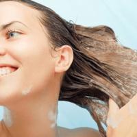 Chăm sóc tóc khô xơ tại nhà