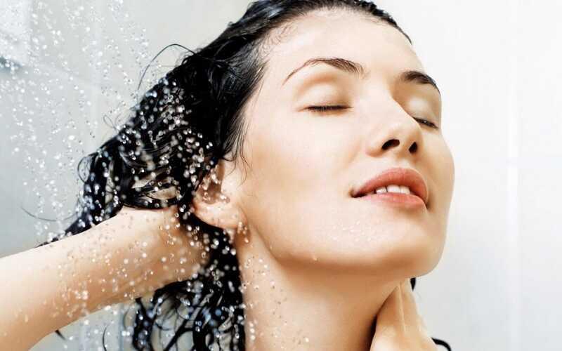 Sử dụng lượng dầu gội và dầu xả phù hợp với độ dày và mỏng của tóc