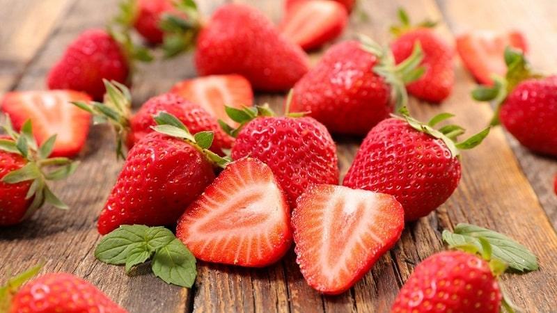 Một số loại thực phẩm như rau củ và hoa quả có chứa nhiều vitamin C