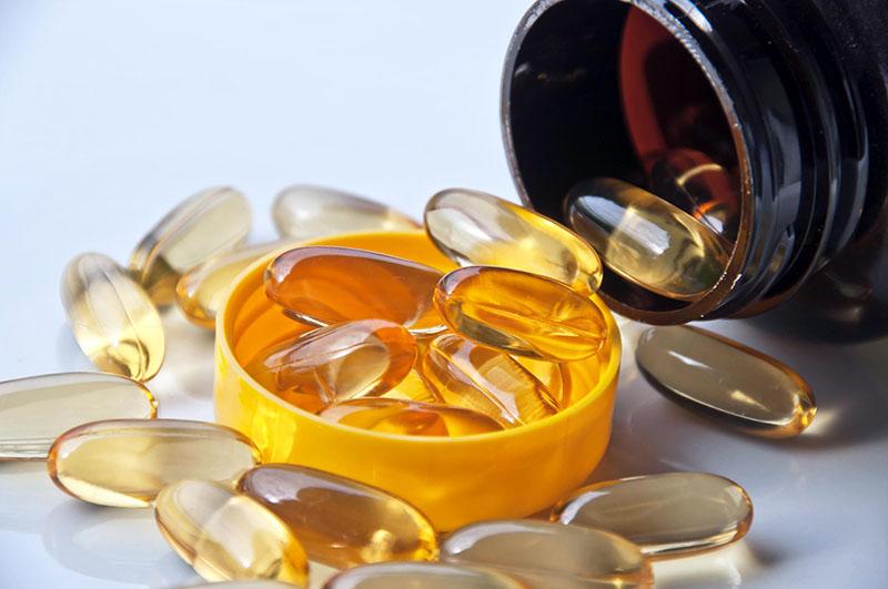 Isotretinoin cần dùng dưới sự hướng dẫn của bác sĩ.