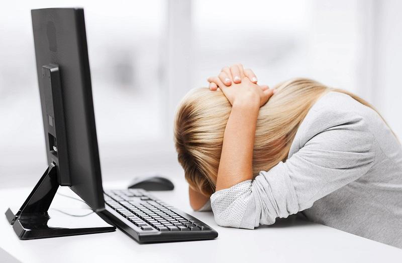 Áp lực công việc và cuộc sống hằng ngày cũng là nguyên nhân gây nhức đầu
