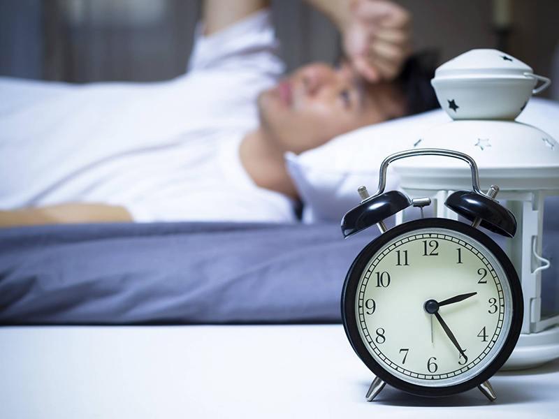 Mất ngủ kéo dài sẽ hình thành bệnh mãn tính