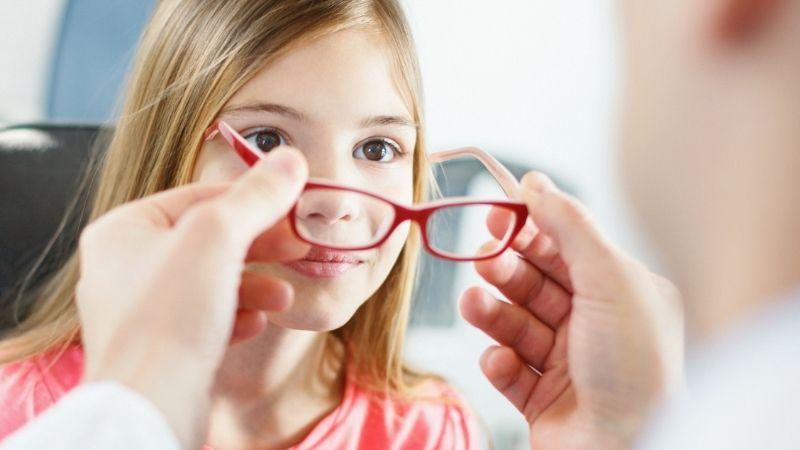 Hỗ trợ cải thiện thị lực bằng vitamin E