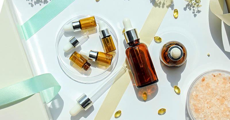 Nhiều loại mỹ phẩm, kem bôi da có chứa thành phần là vitamin A dạng retinoids