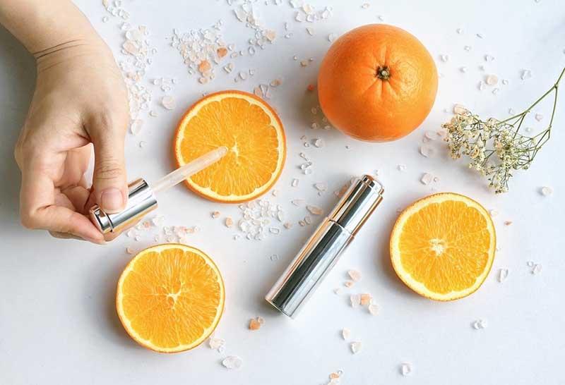 Vitamin C bôi mặt là giải pháp làm đẹp, chăm sóc da hiệu quả