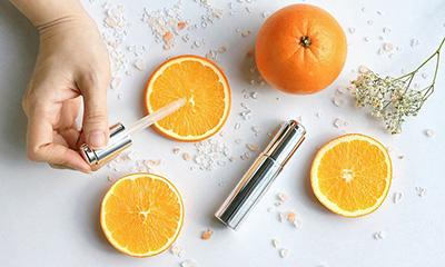 Vitamin C kết hợp với gì