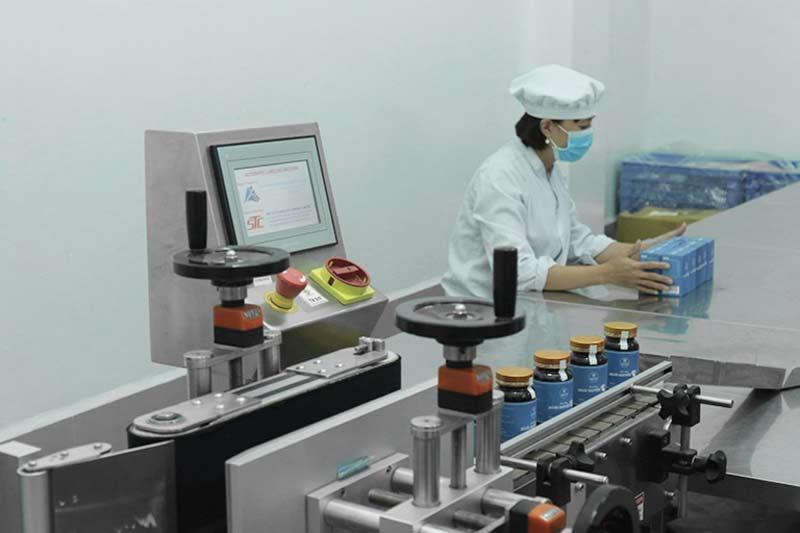 Quá trình sản xuất bộ sản phẩm mụn trứng cá Hoàn Nguyên