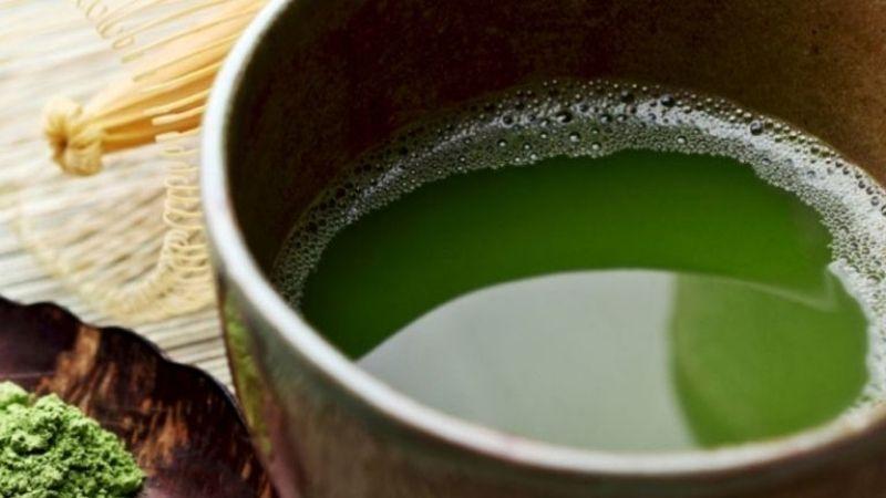 Uống nước lá lốt trị gai cột sống lưng hiệu quả