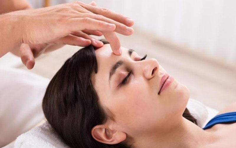 Huyệt Thái Dương có tác dụng chữa mất ngủ, cải thiện tình trạng đau đầu, đau nửa đầu