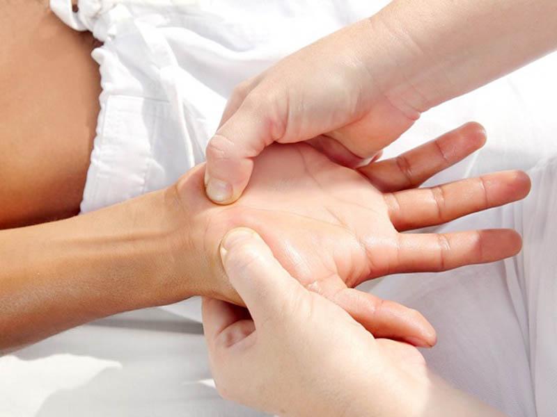 Công dụng của bấm huyệt đau bao tử