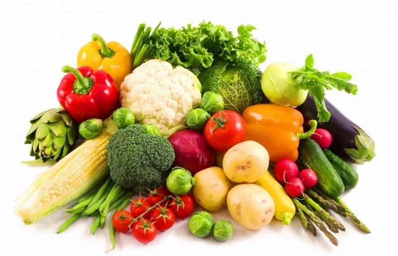 Bị mụn trứng cá nên ăn gì? Rau xanh và trái cây