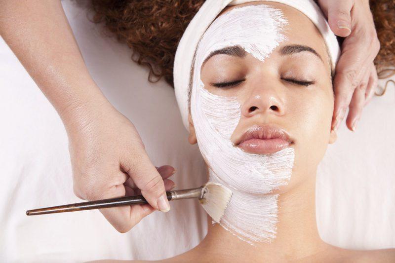 Ngoài tác dụng đối với sức khỏe, bột sắn dây còn là nguyên liệu được sử dụng để chăm sóc, làm đẹp cho da