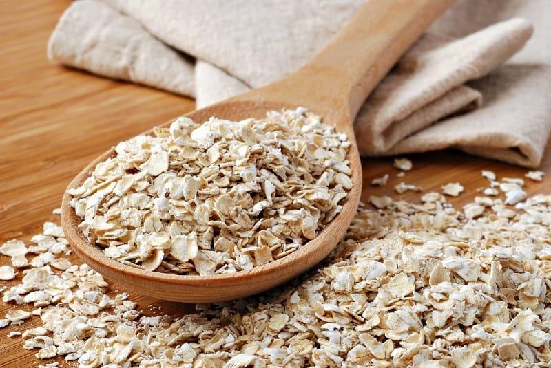 Kết hợp bột yến mạch và tinh bột nghệ có thể tạo thành hỗn hợp trị tàn nhang hiệu quả