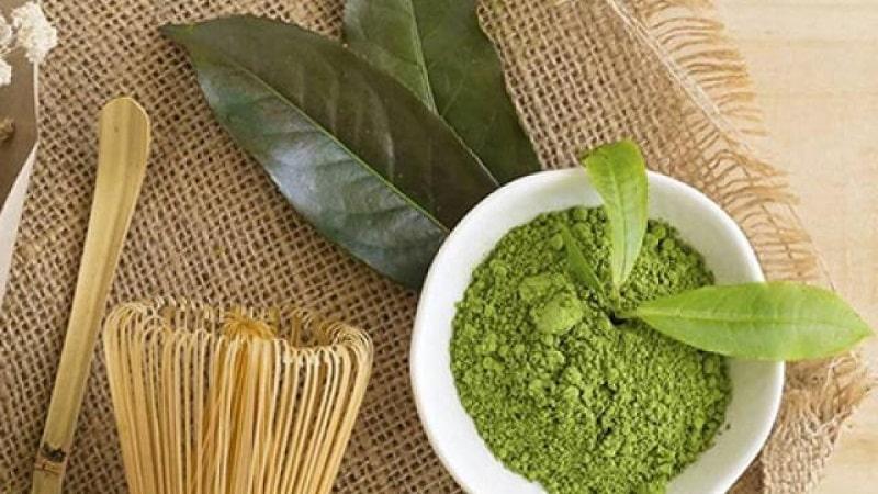 Bột trà xanh là nguyên liệu chống oxy hóa tuyệt vời cho làn da