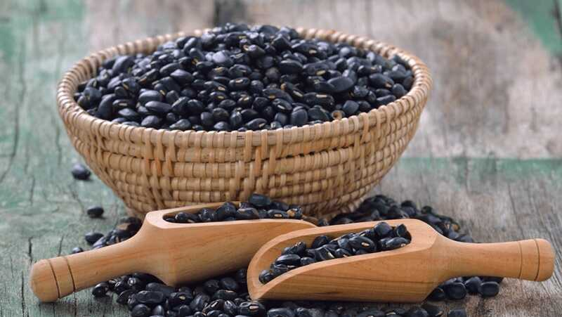 Đậu đen có chứa hoạt chất kháng sinh tự nhiên làm giảm sưng và chống viêm