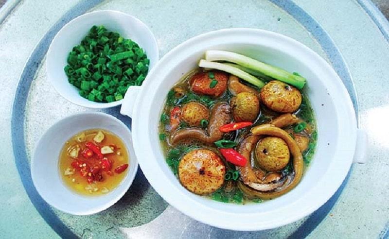Người bệnh có thể nấu món lươn om sung nghệ để cải thiện bệnh
