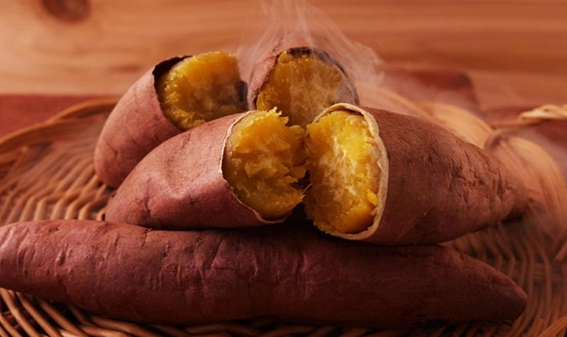 Lượng chất xơ ở khoai lang không chỉ giúp tiêu hóa tốt mà còn hỗ trợ điều hòa tiết dịch vị dạ dày
