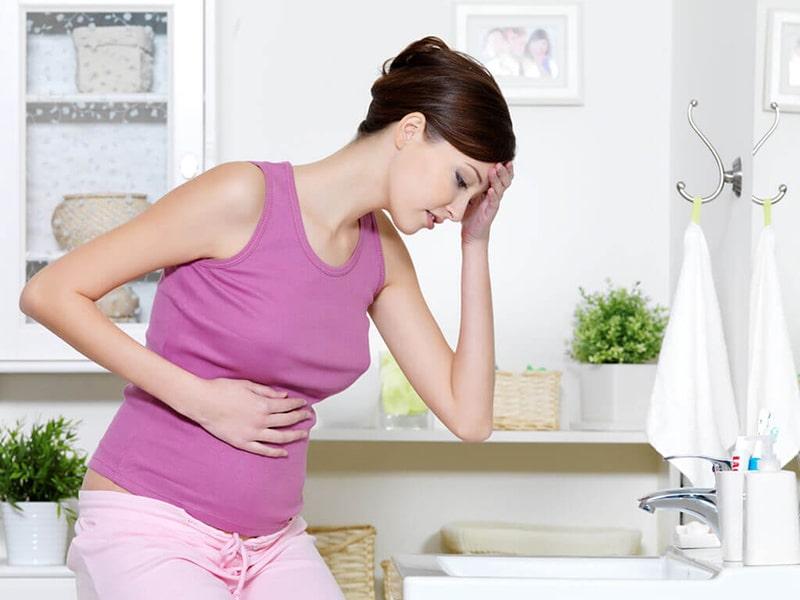 Sự thay đổi nội tiết tố trong quá trình mang thai là nguyên nhân chủ yếu dẫn đến tình trạng đau đầu của phụ nữ