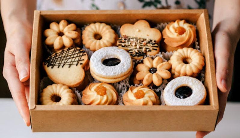 Bánh quy có chứa nhiều tinh bột, giúp hấp thụ axit trong dạ dày, giảm thiểu cảm giác buồn nôn.