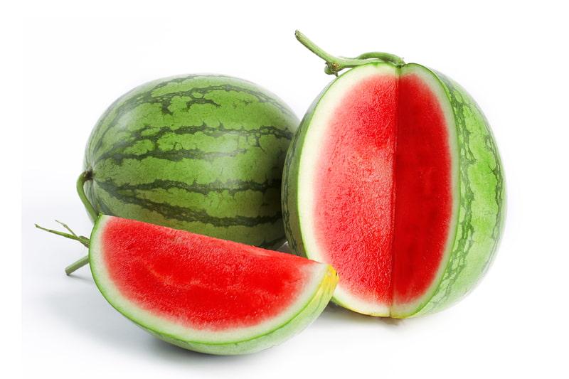 Khi đau đầu buồn nôn nên ăn gì, người bệnh hãy ăn dưa hấu để bổ sung những khoáng chất cần thiết cho cơ thể