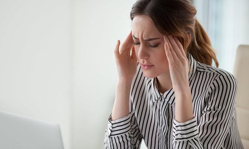 Đau đầu căng thẳng thần kinh là bệnh gì