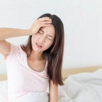 Đau đầu mất ngủ là tình trạng thường gặp, gây ra nhiều vấn đề cho sức khỏe