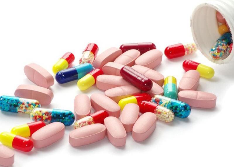 Bạn nên tham khảo ý kiến của bác sĩ trước khi sử dụng thuốc Tây chữa đau đầu