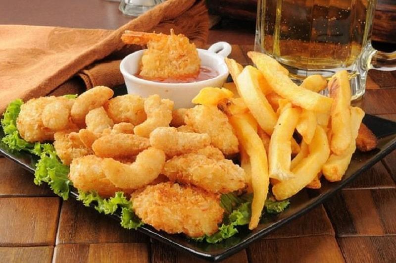 Không ăn nhiều thực phẩm giàu lipid và cholesterol